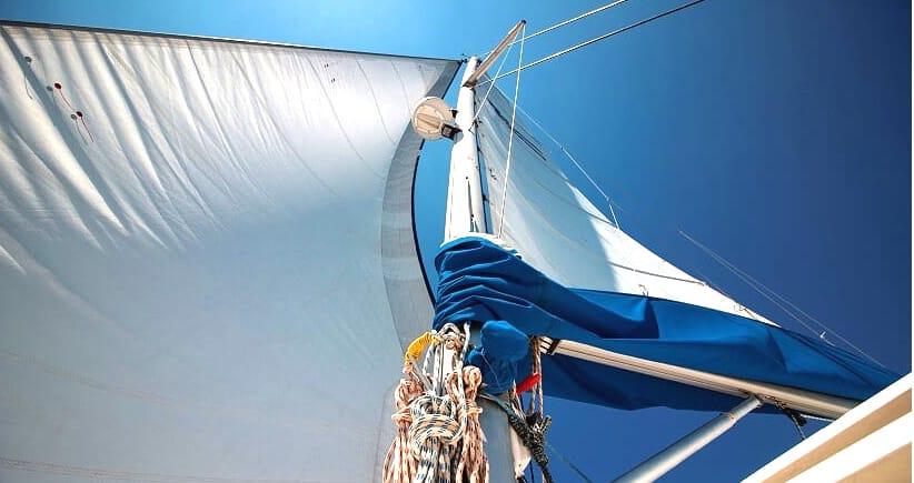Les voiles de notre catamaran à Ibiza